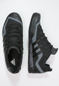 adidas Performance - TERREX SWIFT SOLO UNISEX - Lezecká obuv - black/lead - 1