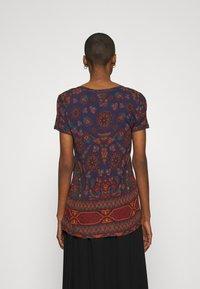 Desigual - BENIN - T-shirt con stampa - navy - 2