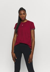 Tommy Hilfiger - FASHION PERFORMANCE TOP - Sports shirt - rouge - 0