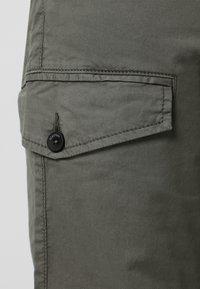 Scalpers - Cargo trousers - khaki - 6