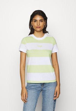 STRIPED HIGH - T-shirts med print - lime sherbet