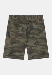 GAP - BOY EASY - Shorts - green - 1