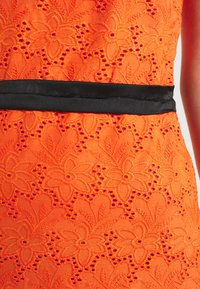 Lace & Beads - CORALIE MIDI - Koktejlové šaty/ šaty na párty - orange - 4