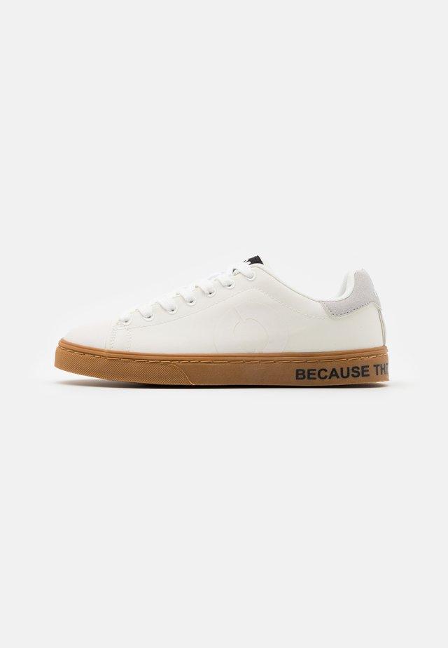 SANDFORD UNISEX - Sneakersy niskie - offwhite