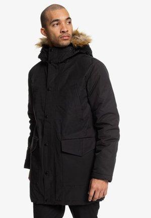 DC SHOES™ BAMBURGH - WASSERABWEISENDER KAPUZENPARKA FÜR MÄNNER E - Winter coat - black