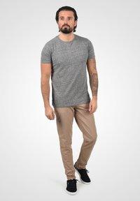 Solid - Basic T-shirt - dark grey melange - 1