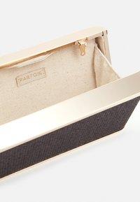 PARFOIS - BOX BAG SPRING BAY M - Clutch - black - 2