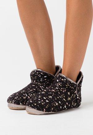 BONNY - Slippers - black
