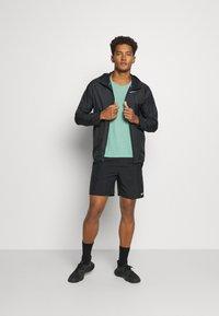Nike Performance - MILER TANK - Camiseta de deporte - healing jade /geode teal/reflective silv - 1