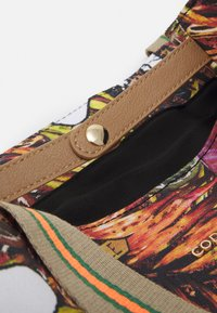 Codello - SHOPPER SNOOPY - Tote bag - camel - 3