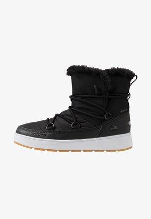 SNOFNUGG GTX - Snowboot/Winterstiefel - black/charcoal