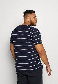 GANT - BRETON STRIPE - T-shirt med print - evening blue - 2