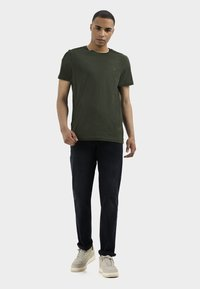 camel active - RELAXED - Relaxed fit jeans - indgo dark blue used - 1