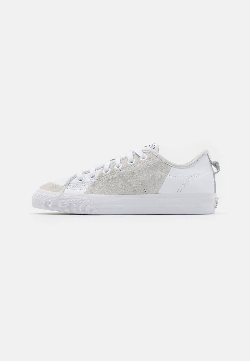 adidas Originals - NIZZA UNISEX - Trainers - footwear white/crystal white/core black