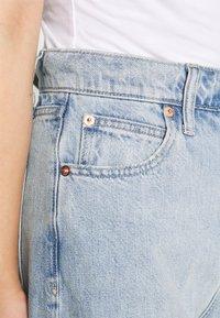 GAP Petite - MOM JEAN CASPIAN - Relaxed fit jeans - light indigo - 5