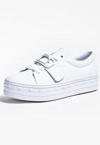 Guess - Sneakers basse - weiß - 2