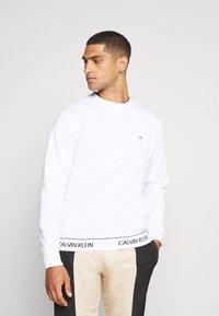 Calvin Klein - LOGO WAISTBAND - Mikina - white - 0