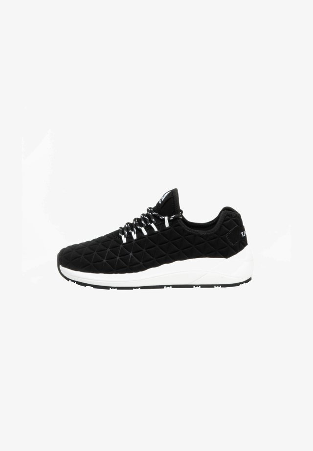 Sneakers laag - blk/wht