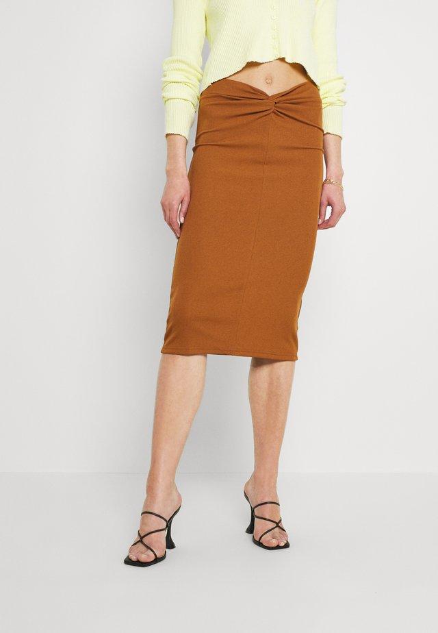 CONNA SKIRT - Pouzdrová sukně - tan