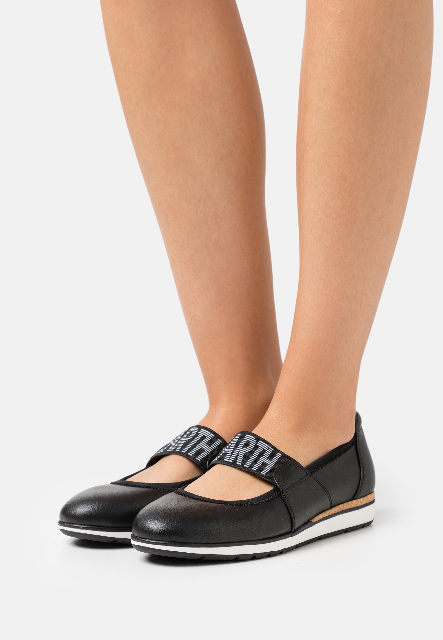 Women Ankle strap ballet pumps - black