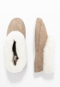 Shepherd - EMMY - Slippers - stone/white - 3