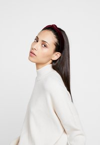 Pieces - Hair styling accessory - biking red - 1
