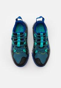 New Balance - GESHALB UNISEX - Scarpe da trail running - black/blue - 3