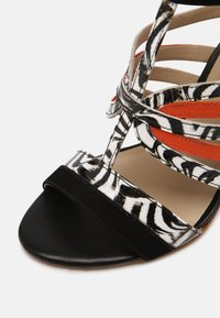 San Marina - NITOBA - High heeled sandals - noir blanc - 7