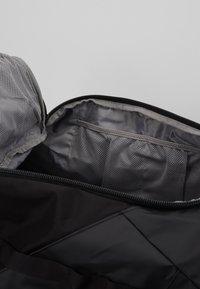 Peak Performance - VERTICAL DUFFLE  - Sports bag - black - 6
