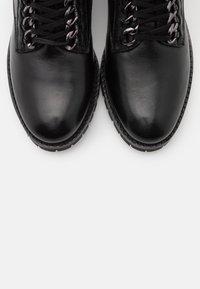 San Marina - SARYA - Lace-up ankle boots - noir - 5
