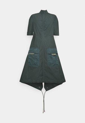 FISHTAIL DRESS - Denní šaty - graphite