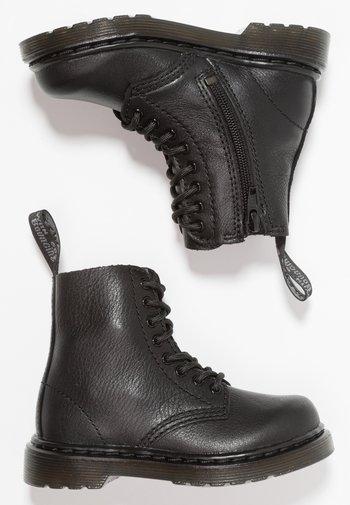 1460 PASCAL MONO - Šněrovací kotníkové boty - black