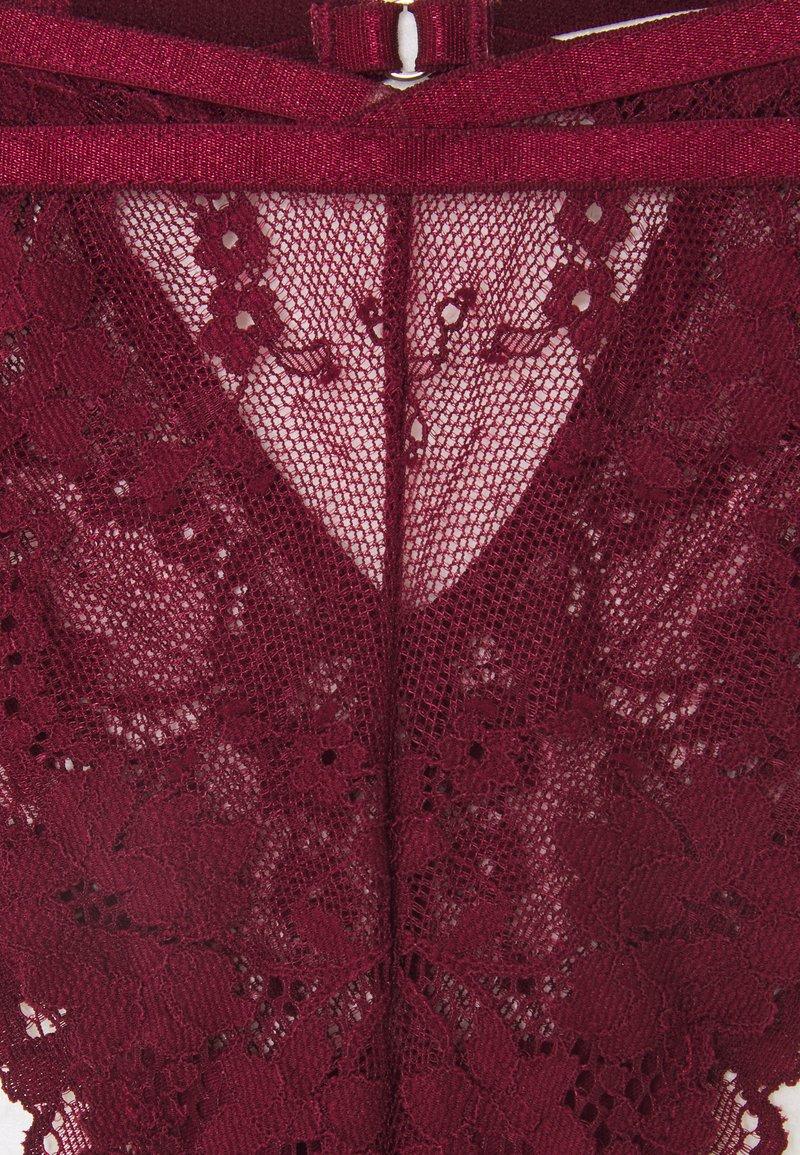 Nly by Nelly AMAZING HALF THONG - Slip - burgundy/bordeaux M80U7C