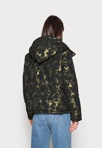 Liu Jo Jeans - IMBOTTITO OVATT - Winter jacket - verdone - 2