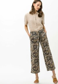 BRAX - STYLE MAINE S - Trousers - olive - 1