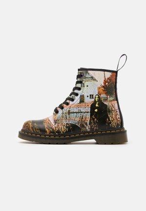 1460 BLACK SABBATH UNISEX - Lace-up ankle boots - white/black