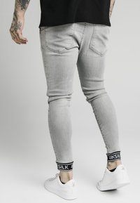 SIKSILK - CUFFED - Jeans Skinny Fit - washed grey - 2