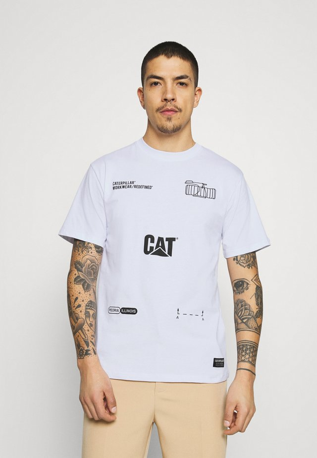 CAT MACHINERY TEE - Print T-shirt - white