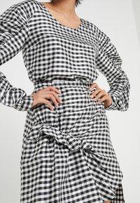 DESIGNERS REMIX - ALEXIS SKIRT - A-line skirt - black/white - 4