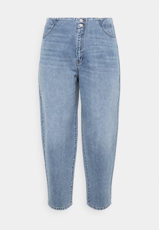 VMIDA BARREL CUTLINE - Jeans baggy - light blue denim