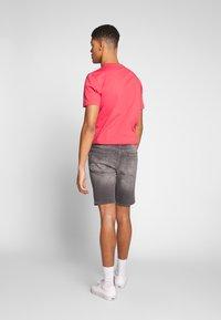 Calvin Klein Jeans - Jeansshort - light grey - 2