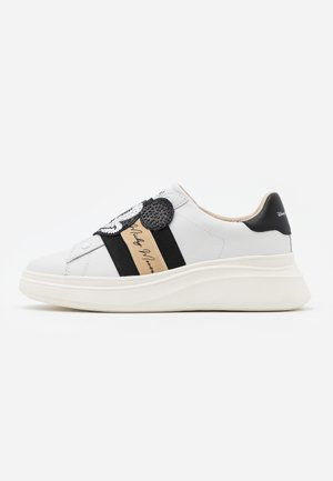 DOUBLE GALLERY - Mocasines - white