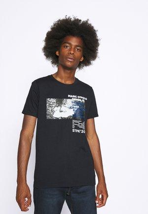 SHORT SLEEVE  - T-shirt med print - blue night sky