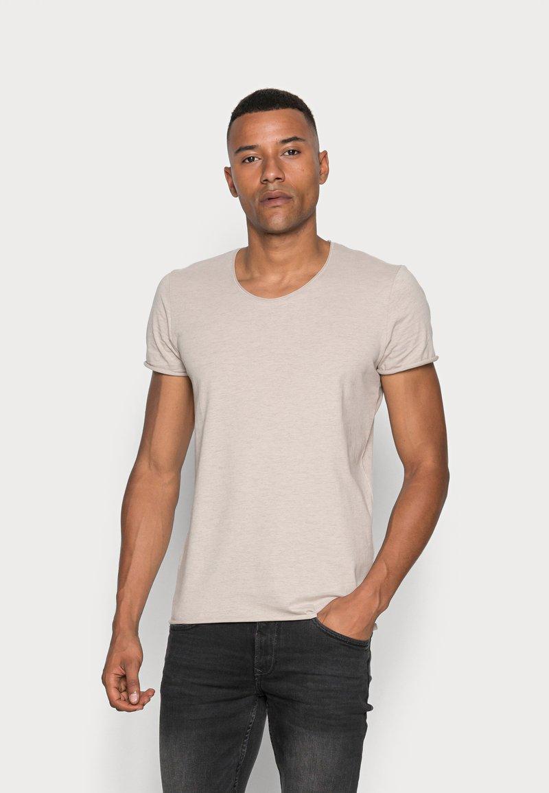 Selected Homme - SLHNEWMERCE O-NECK TEE - T-shirt - bas - dove melange