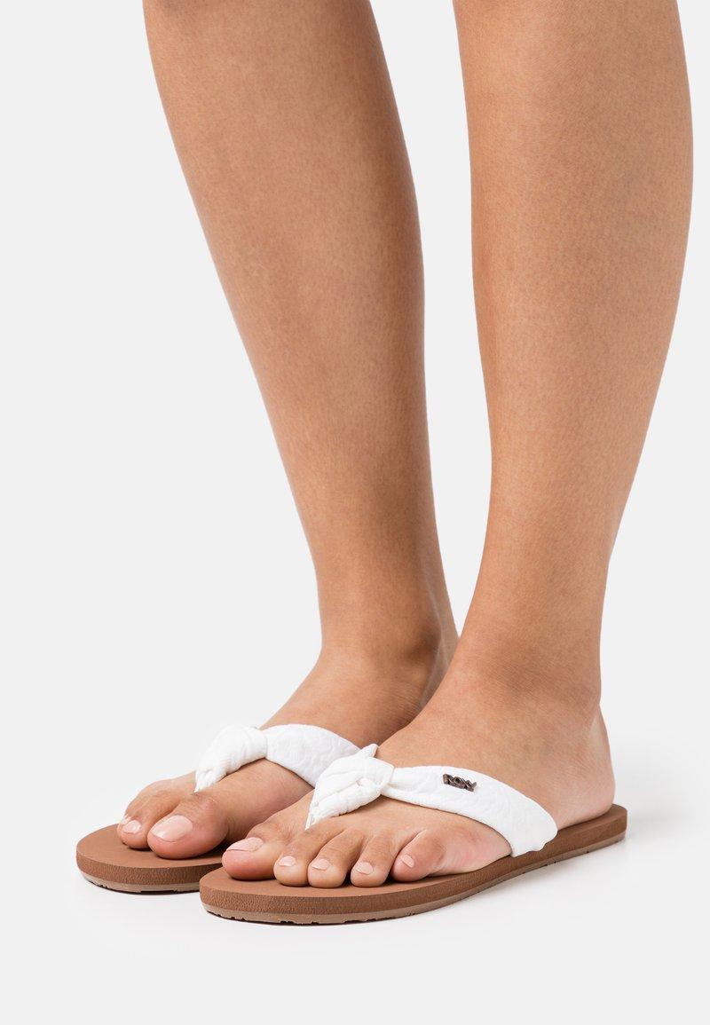 Roxy - PAIA - T-bar sandals - white/chocolate