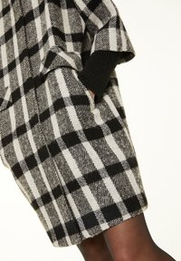 comma - Short coat - black white - 3