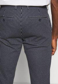 Tommy Hilfiger Tailored - FLEX STRIPE SLIM FIT PANT - Pantalon classique - blue - 3