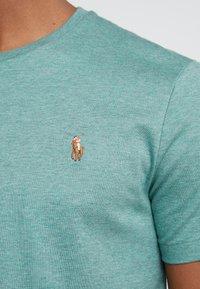 Polo Ralph Lauren - PIMA - T-shirt basic - pine heather - 5