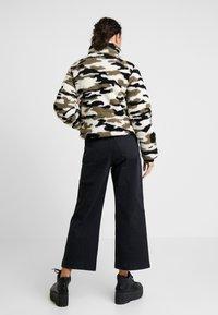 Urban Classics - LADIES CAMO SHERPA JACKET - Winter jacket - wood - 2