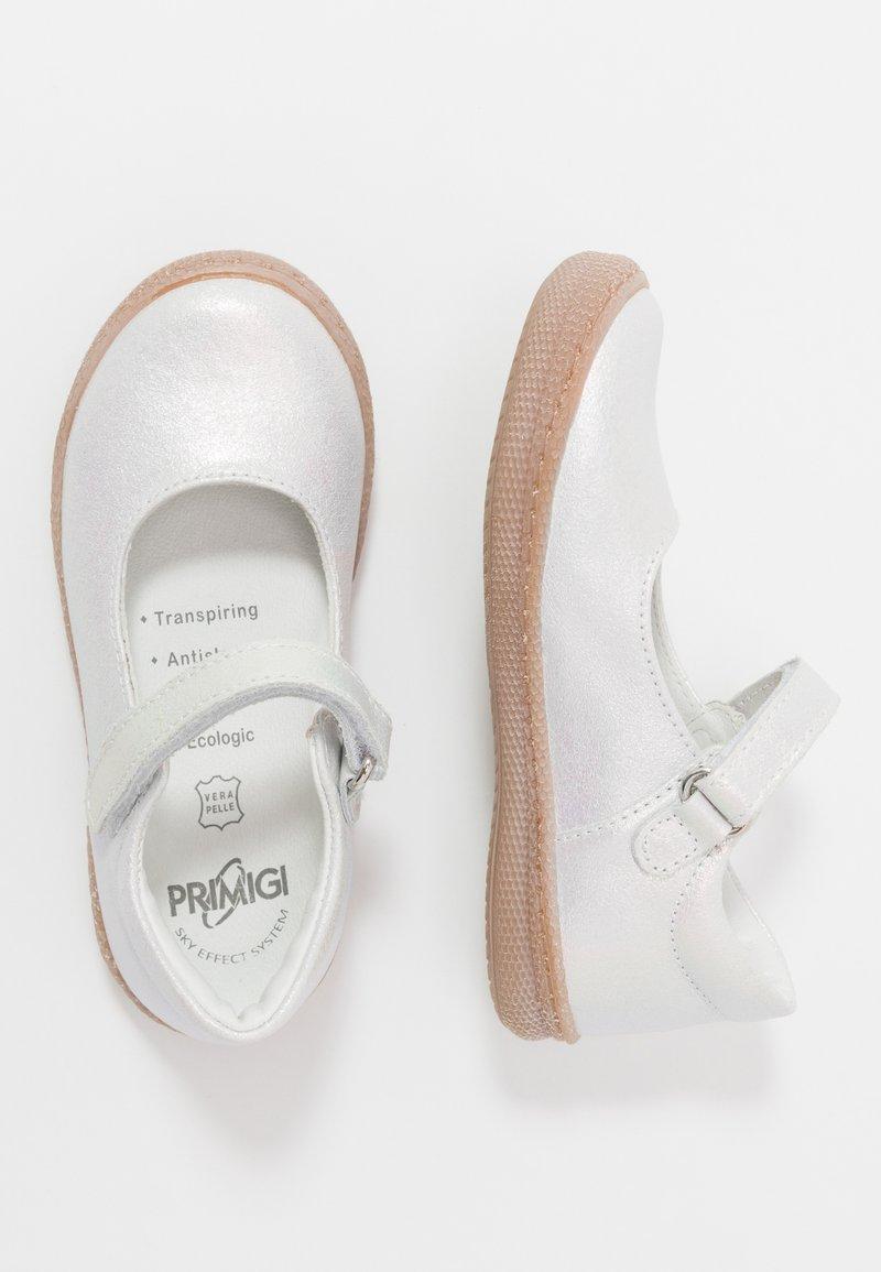 Primigi - Baleríny s páskem - bianco